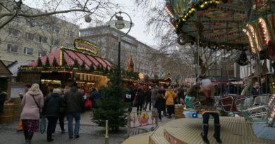 Balade à travers les 300 chalets du marché de Noël de Dortmund